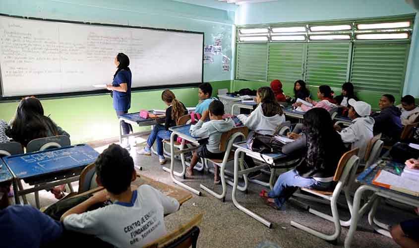 Escola deve alertar Conselho Tutelar quando aluno atingir 30% do limite de faltas