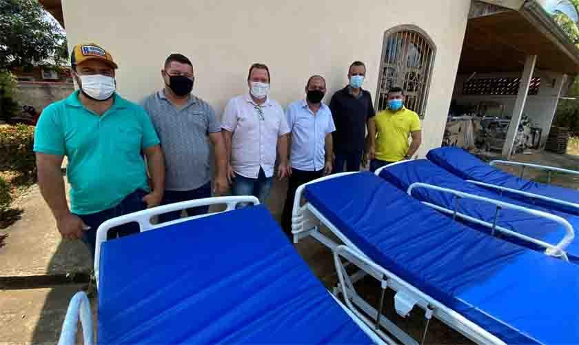 Deputado Laerte Gomes entrega mobília para equipar Hospital Municipal de Alvorada D'Oeste