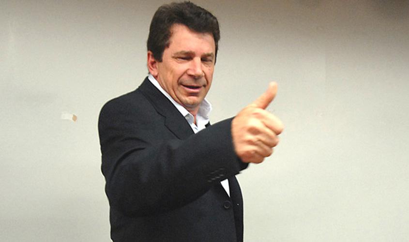 STF reduz pena de Ivo Cassol e substitui prisão por multa e prestação de serviços à comunidade