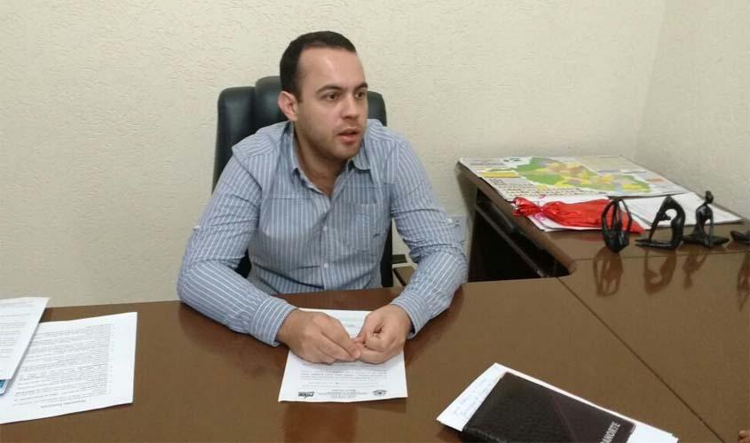 Márcio Oliveira intermedia parceria para melhorar manutenção das escolas municipais