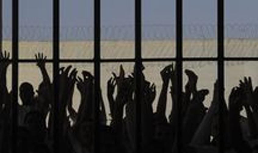 Temer assina decreto que concede indulto natalino a presos