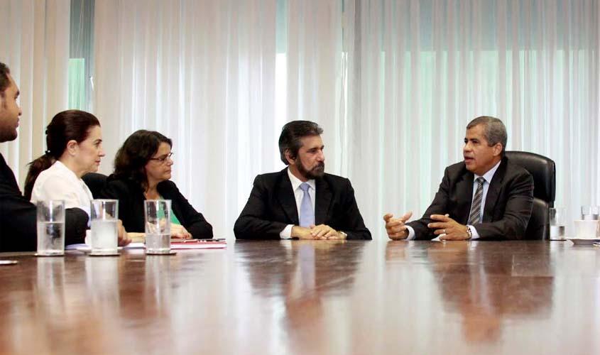 Senador Raupp e deputada Marinha pedem ampliação do crédito fundiário para Rondônia